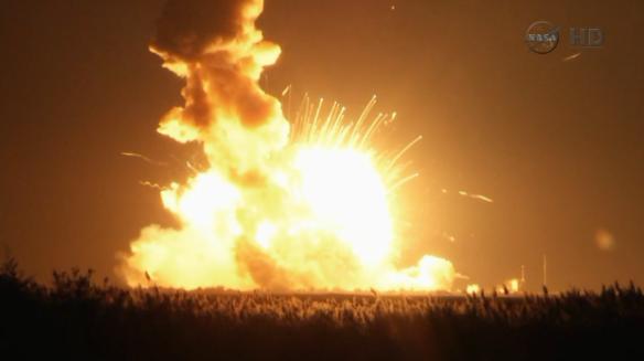 141029111750-rocket-explosion-620x348